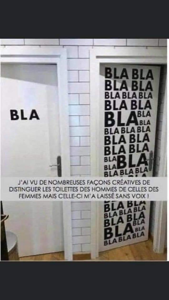 J'ai vu de nombreuses façons créatives de distinguer les toilettes...